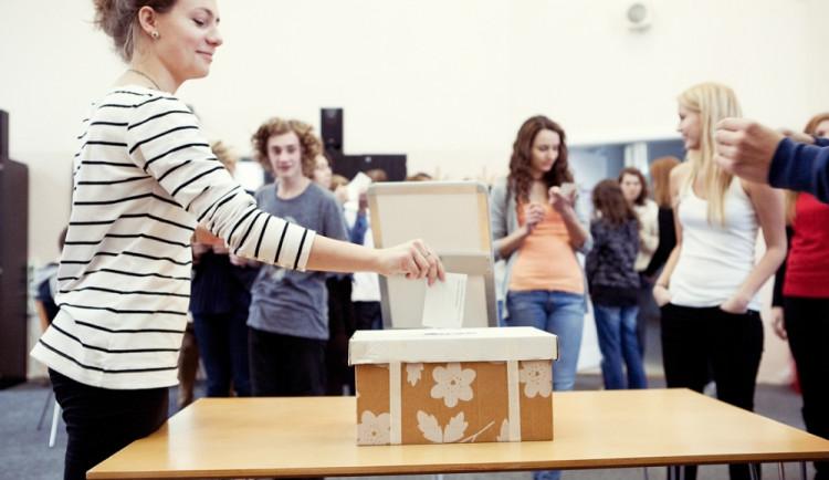 Mezi studenty na Liberecku boduje TOP 09 i Dělnická strana