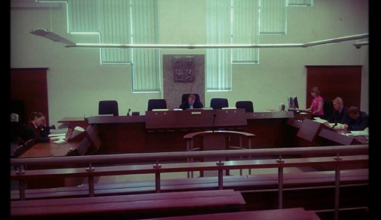 U soudu se mělo potkat 23 zastupitelů. Ani jeden nedorazil