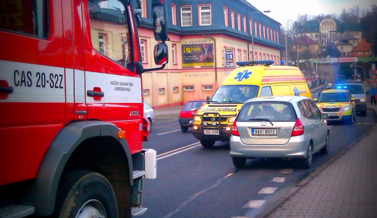 Osobák srazil v Košické ulici chodce. Ten skončil v nemocnici