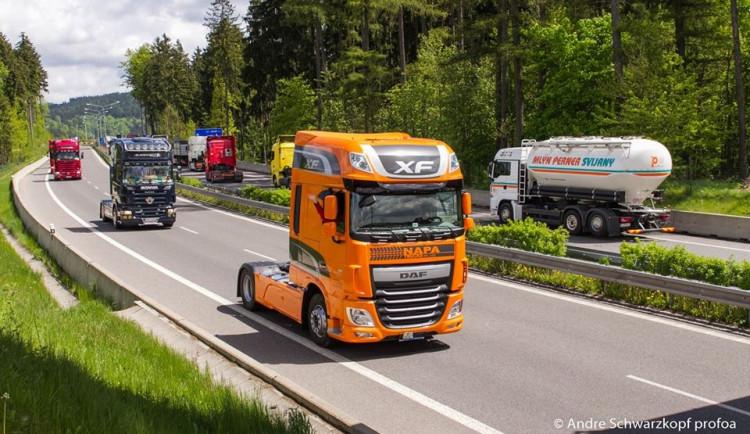 Foto: Do Vratislavic se sjeli kamioňáci z celé republiky
