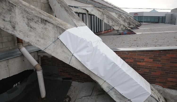 Konečně! Svijanskou arénu čeká částečná oprava střechy
