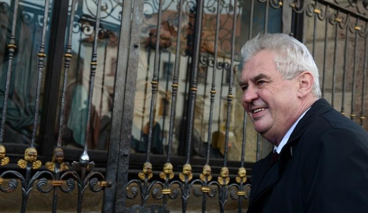 Prezident Miloš Zeman míří na třídenní návštěvu kraje