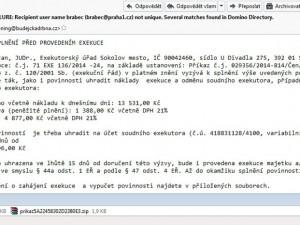 Další podvodné zprávy zaplavují e-mailové schránky