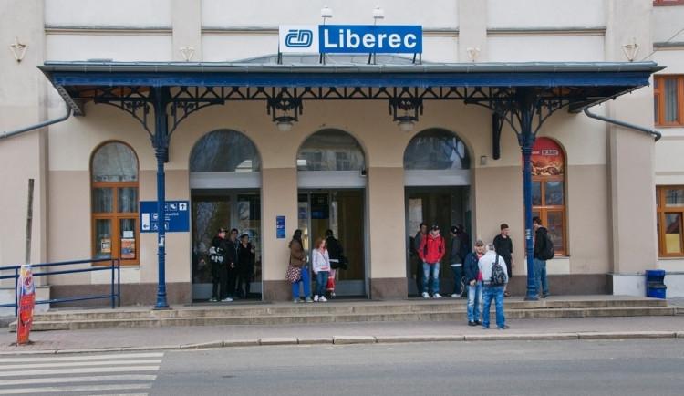 Vlaky opět jezdí do Jablonného, na Jablonecku na čas zmizí