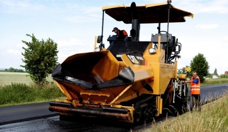 Heřmanice mají čtyři roky od záplav opravenou hlavní silnici
