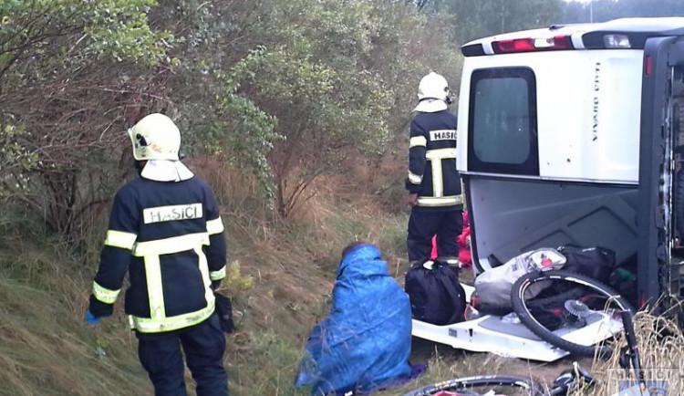 Čtyři cizinci se zranili při nehodě u Hrádku nad Nisou