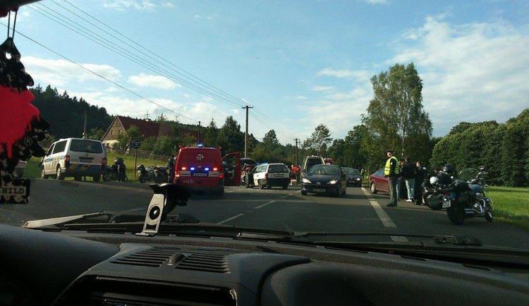 Při srážce s autem byli na Liberecku zraněni dva motorkáři