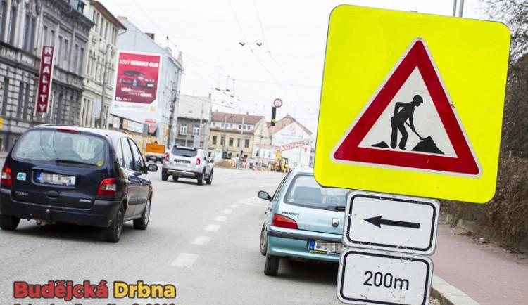 Oprava tramvajové trati zkomplikuje dopravu ve Vratislavicích