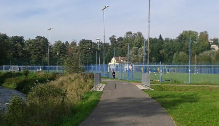 Most na cyklostezce u fotbalového stadionu je v havarijním stavu