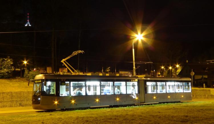 """V """"ledové"""" tramvaji můžete platit bezkontaktně, podobně jako v Londýně"""