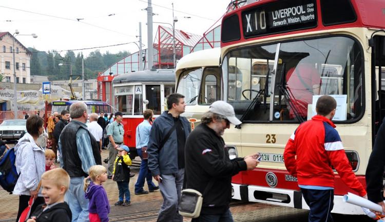 FOTO: Dopravní podnik otevřel své brány veřejnosti