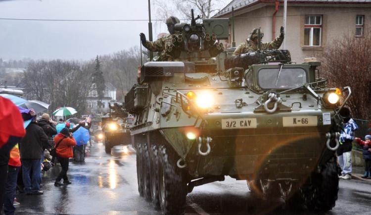 FOTO: Americký konvoj dorazil do libereckých kasáren