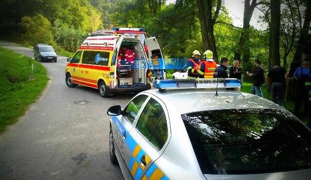 Nepozorná řidička způsobila v Mníšku stotisícovou škodu