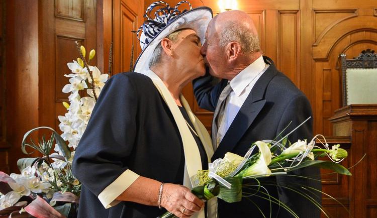 Manželé Kocourovi oslavili jubilejních 60 let manželství