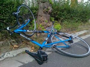 Opilý cyklista těžce zranil jedenáctiletého chodce