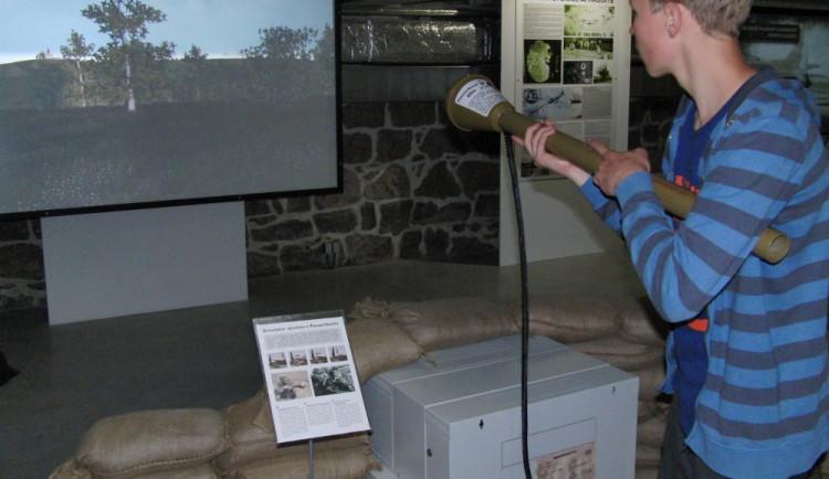 Interaktivní výstava: Pancéřová pěst i simulovaný nálet