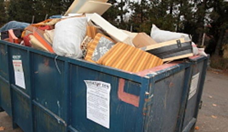 Potřebujete se zbavit odpadu? Město přistaví dvanáct kontejnerů