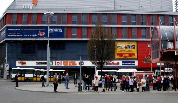ANKETA: Zavřít obchody ve svátky? Poslanci dnes zahájí debatu