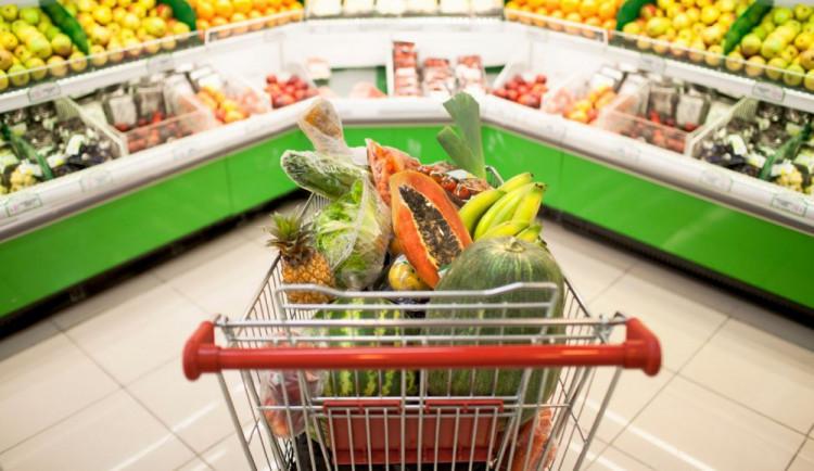 10 argumentů proti omezení otevírací doby supermarketů  o státních svátcích