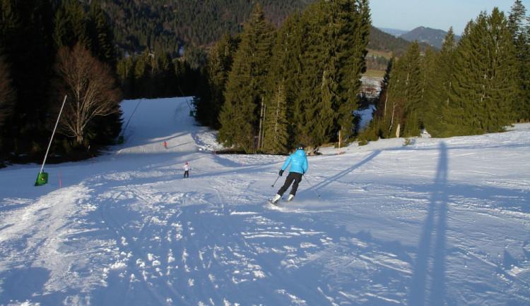 Některé skiareály v Libereckém kraji už lákají na nižší ceny