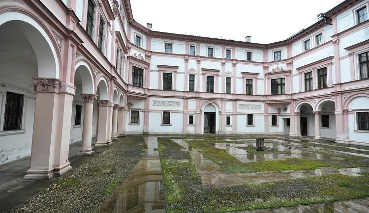 Rekonstrukce Liebiegova paláce bude stát zhruba 200 milionů korun, konkrétní využití zatím radnice nemá