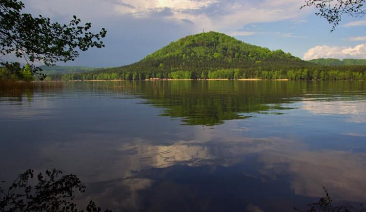 Máchovo jezero zahájilo sezonu, slaví 650 let svého založení