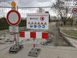 Hrádecká ulice z Machnína na Chrastavu se v pondělí uzavře. Znovu se otevře až v polovině října
