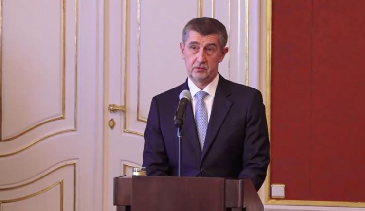 Prezident Zeman jmenoval novou vládu Andreje Babiše