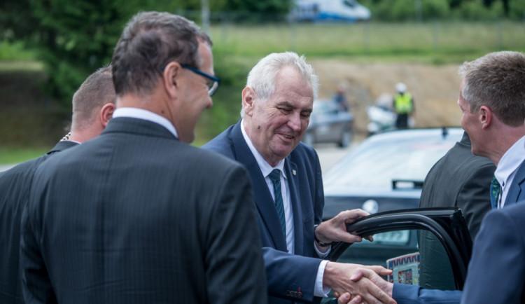 Populista zůstává prezidentem, píše Süddeutsche Zeitung o volbách