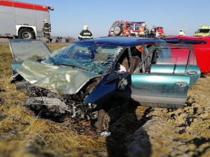 Tragická dopravní nehoda u Chlumu. Jeden mrtvý a tři vážně zranění