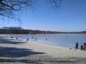 Lodě na Máchově jezeře vyplují už o Velikonocích, když zmizí led