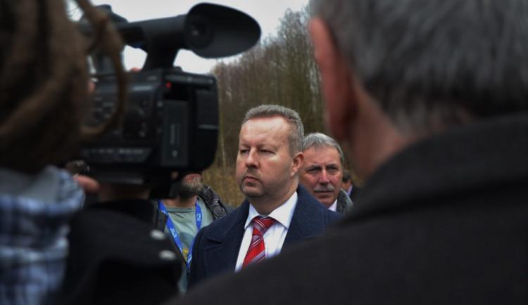 Ministr Brabec vyrazil k dolu Turów. Vláda projedná uvolnění 60 milionů na řešení problému s úbytkem vody