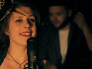 Dubnový Open mic koktejl namíchá krásné hlasy čtyř dam