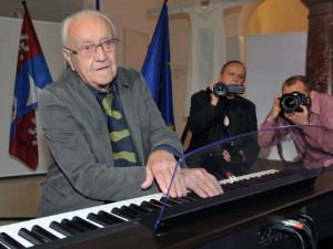 V 96 letech zemřel významný sklářský výtvarník René Roubíček