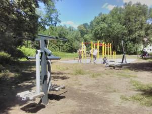Na cyklostezce nedaleko Slovanu vznikla nová posilovna pod širým nebem