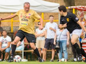 FOTO: Fotbal ve Vratislavicích pomáhá plnit životní sny