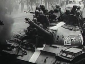 """""""Už pošel?"""" ptali se ruští vojáci nad postřeleným Čechem v srpnu 1968 v okupované Praze"""