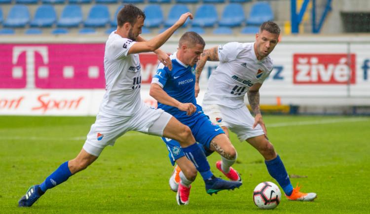 FOTO: Slovan počtvrté v sezoně remizoval. O body obral rozjetý Baník