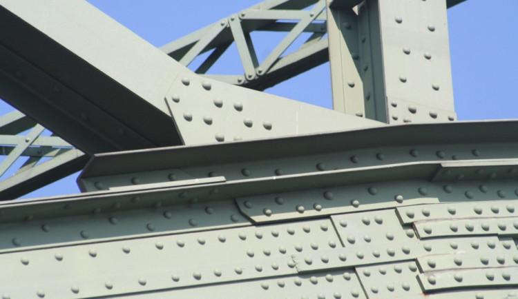 Mosty z šedesátých až osmdesátých let projdou mimořádnými kontrolami