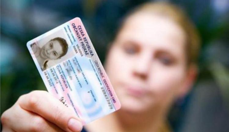 Více než čtvrt milionu lidí si musí do konce roku vyměnit řidičský průkaz