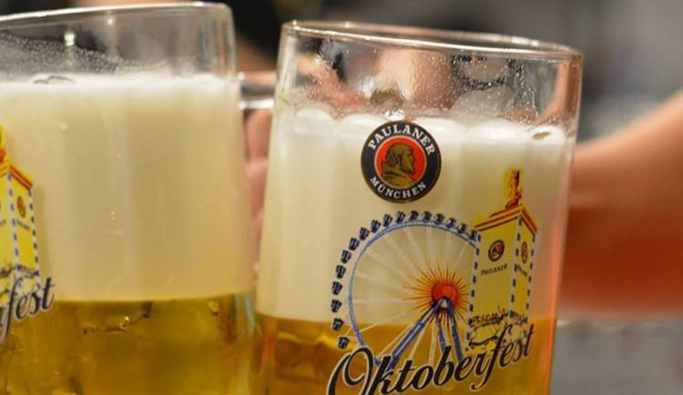 SOUTĚŽ: Oktoberfest ve Šnytu se blíží. Zajděte si na tuplák na účet Drbny