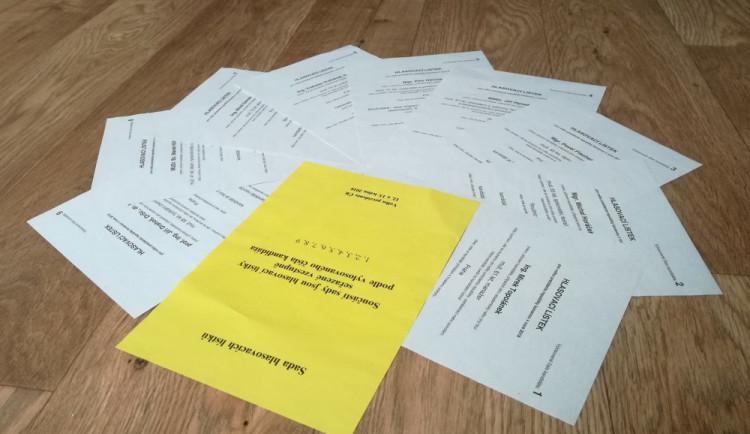 Voliči už mají mít lístky, nových průzkumů se do voleb nedočkají