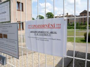 Areál ve Svojsíkově ulici už může využívat veřejnost. Město se dohodlo s vojáky