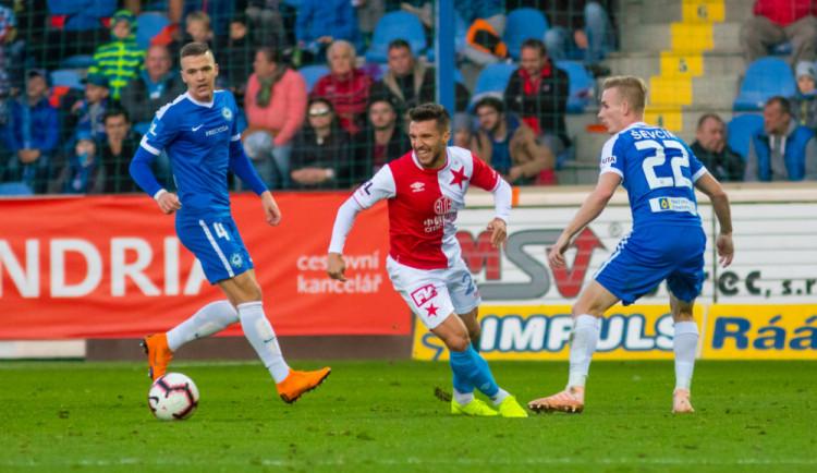 FOTO: Rychlý gól i červená pro Mikulu. Slovan v oslabení se Slavií prohrál