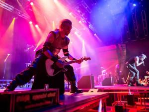 SOUTĚŽ: Vyhrajte vstupenky na Fest Revival a zajděte na Metalicu nebo Rammsteiny