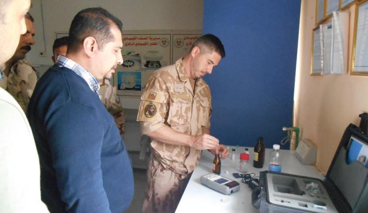 Jak analyzovat bojové chemické látky? Liberečtí chemici školili irácké vojáky