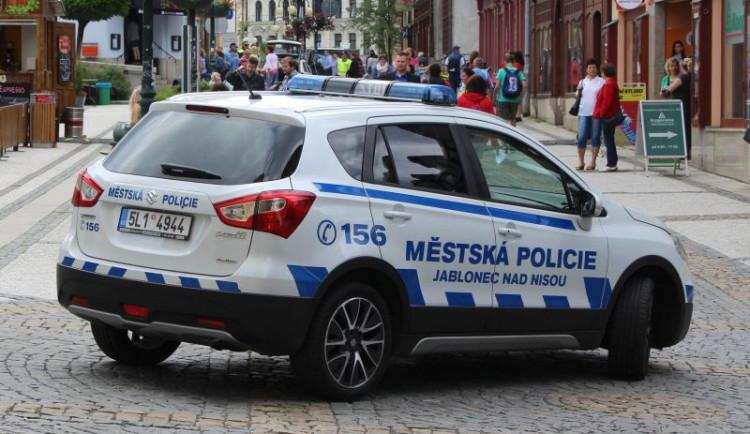 Jablonečtí strážníci se za záchranu lidských životů dočkali odměny