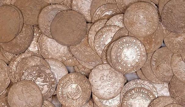 Nálezce pokladu u Vysokého dostane odměnu skoro 140 tisíc korun