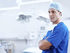 Modernizace Ústavu chirurgie ruky se protahuje, za zpoždění může čekání na dotaci