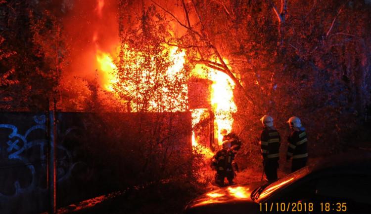 V noci hořelo v jablonecké spalovně, zranily se dvě osoby